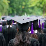 A është kirurgjia estetike dhurata e re e diplomimit?